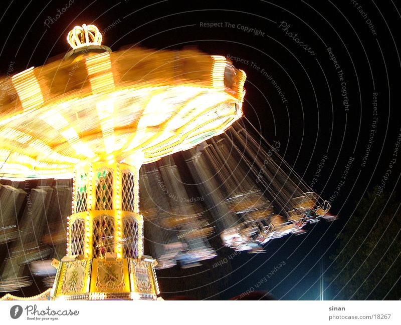 round 'n' round dunkel hell Freizeit & Hobby Jahrmarkt drehen Karussell Fahrgeschäfte Kettenkarussell