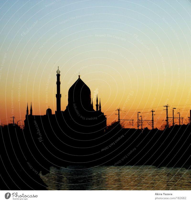 Gute Nacht Wasser Himmel blau Stadt rot schwarz Erholung Arbeit & Erwerbstätigkeit träumen Wärme Religion & Glaube Dresden Brücke ästhetisch Fluss Romantik