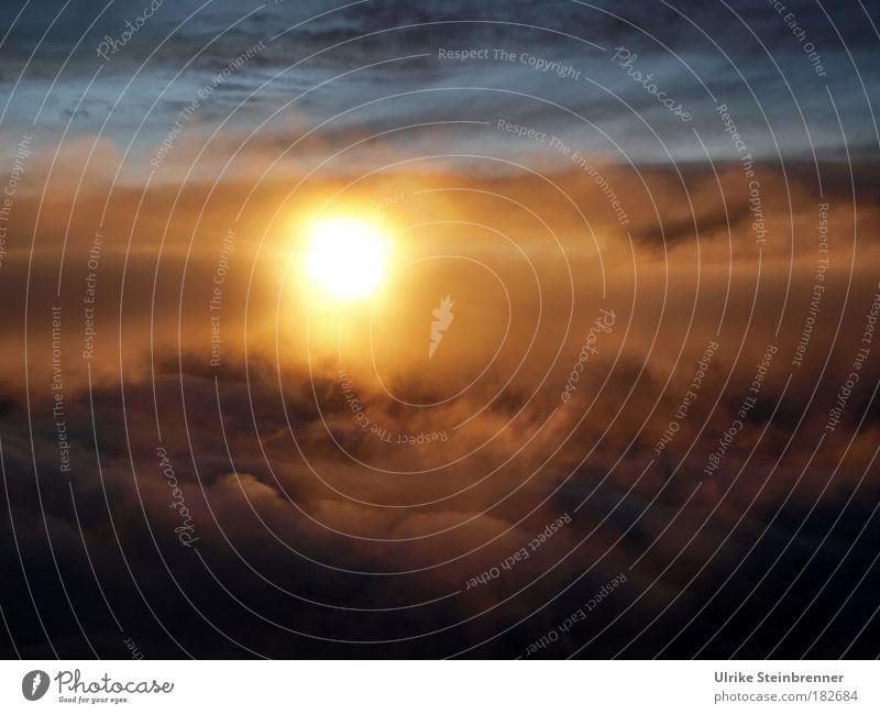Tramonto sardo I Himmel Natur schön Wolken Wärme Lampe fliegen glänzend Energiewirtschaft orange Luft leuchten Luftverkehr gold Stern weich