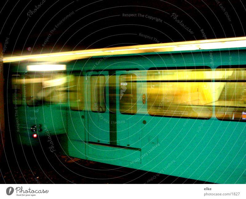 bewegtbewegung S-Bahn Zufahrtsstraße Stil Licht Verkehr Bewegung Abfahrt