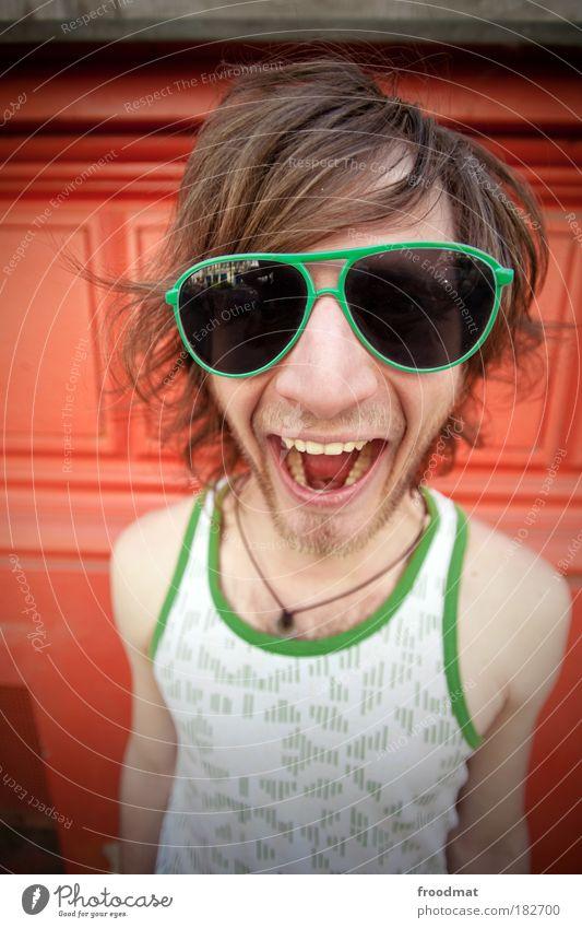 grüne brille Gesicht Brille Mensch Porträt Mann Jugendliche rot Freude Sommer Kultur Bekleidung Haare & Frisuren Stil Party