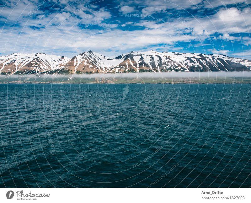 Island - Eyjafjörður Himmel Ferien & Urlaub & Reisen Sommer schön Wasser Meer Landschaft Wolken Ferne Berge u. Gebirge Küste außergewöhnlich Luft Eis Wellen