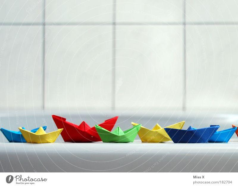 Flotte Spielzeug Wasser Freude Spielen mehrfarbig klein Wasserfahrzeug Freizeit & Hobby Kindheit Schwimmen & Baden Verkehr Papier Schwimmbad Bad Badewanne Schifffahrt