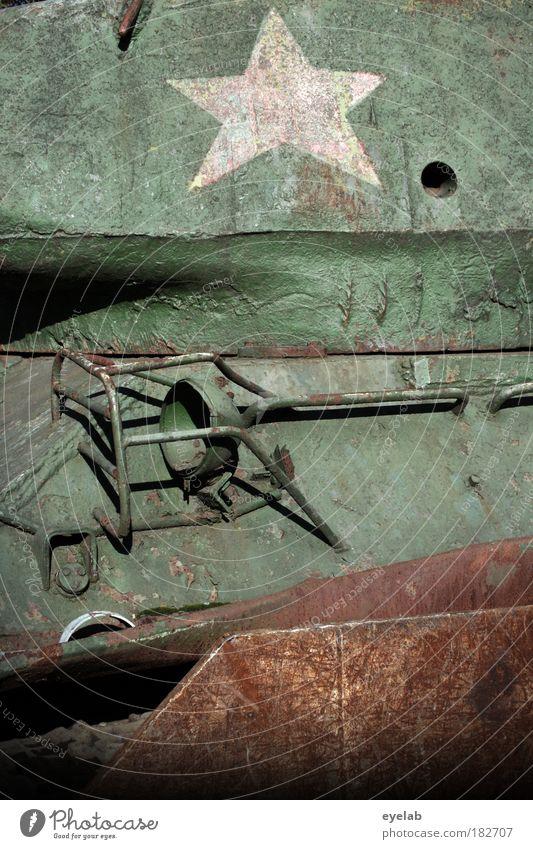 STARS ON ´45 alt Lampe Kraft Angst Stern (Symbol) Macht bedrohlich Technik & Technologie Zeichen Frieden Stahl Krieg Rost Maschine Kontrolle Zerstörung