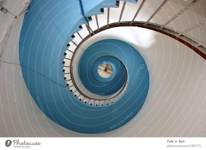 Blue Stairs Architektur Fischerdorf Hafen Turm Leuchtturm Bauwerk Gebäude Treppe Sehenswürdigkeit blau Wendeltreppe Treppengeländer Spirale Farbfoto