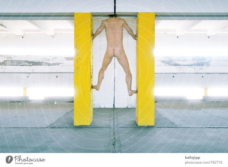 lückenbüßer Mensch Mann Akt Erwachsene gelb kalt Leben Wand nackt grau Mauer Stil Gesundheit Körper maskulin modern