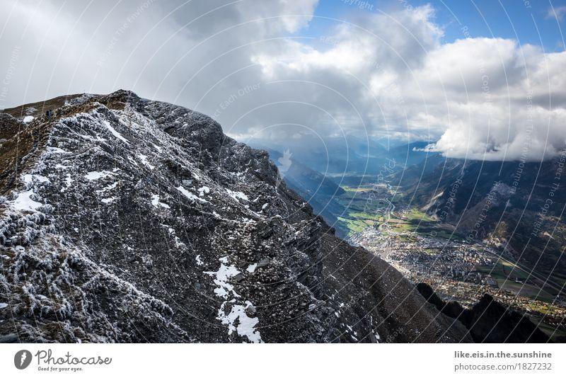 Schön hier. sportlich Ferien & Urlaub & Reisen Ausflug Ferne Freiheit Berge u. Gebirge wandern Umwelt Landschaft Wolken Frühling Herbst Klima Wetter Schnee