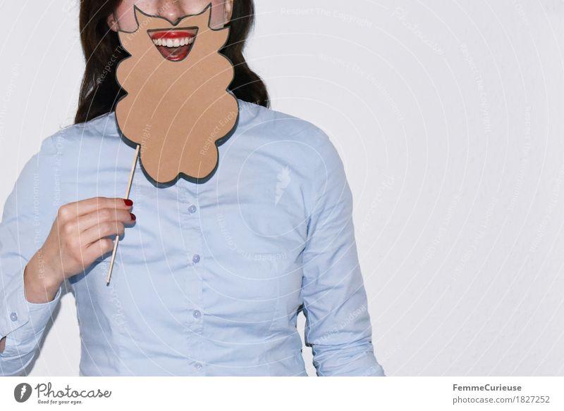 Rauschebart_1827252 Freude feminin Junge Frau Jugendliche Erwachsene Mensch 18-30 Jahre maskulin Damenbart Bart aufgespiesst festhalten Bluse hell-blau Hemd