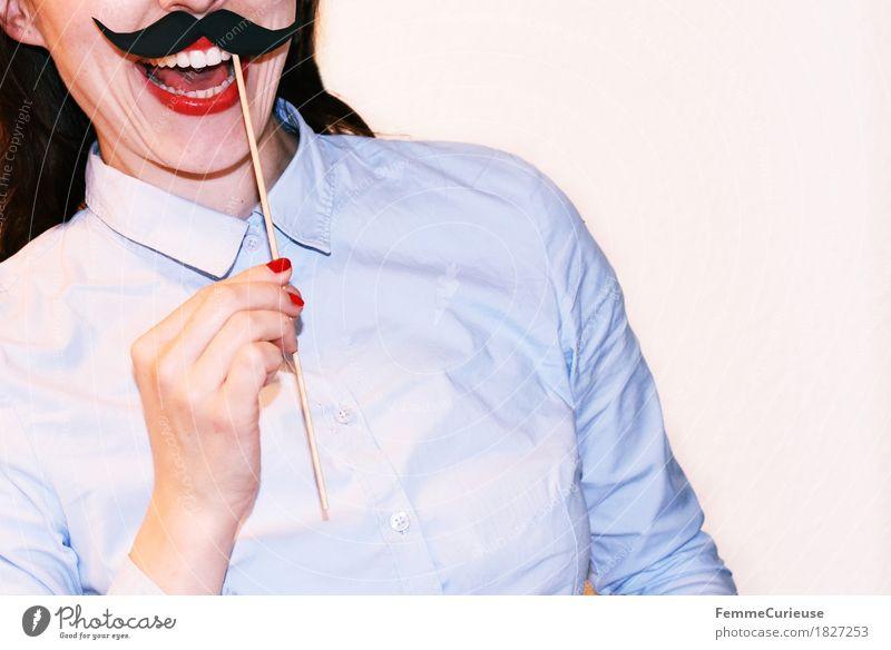 Schnurrbart_1827253 Mensch Frau Jugendliche Junge Frau Hand rot Freude 18-30 Jahre Erwachsene lustig feminin lachen Business maskulin Kreativität Fröhlichkeit