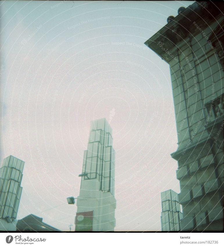 Art Déco Farbfoto Gedeckte Farben Außenaufnahme Lomografie Menschenleer Textfreiraum oben Tag Zentralperspektive Stil Art deco Lissabon Portugal Hauptstadt Turm