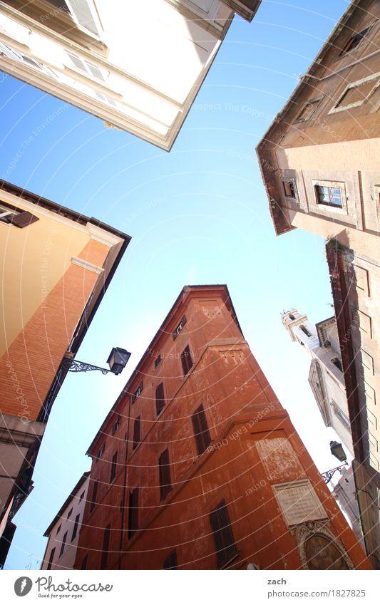 Hausparty Himmel Rom Italien Stadt Hauptstadt Stadtzentrum Altstadt Traumhaus Palast Bauwerk Architektur Mauer Wand Fassade Fenster alt historisch blau Farbfoto