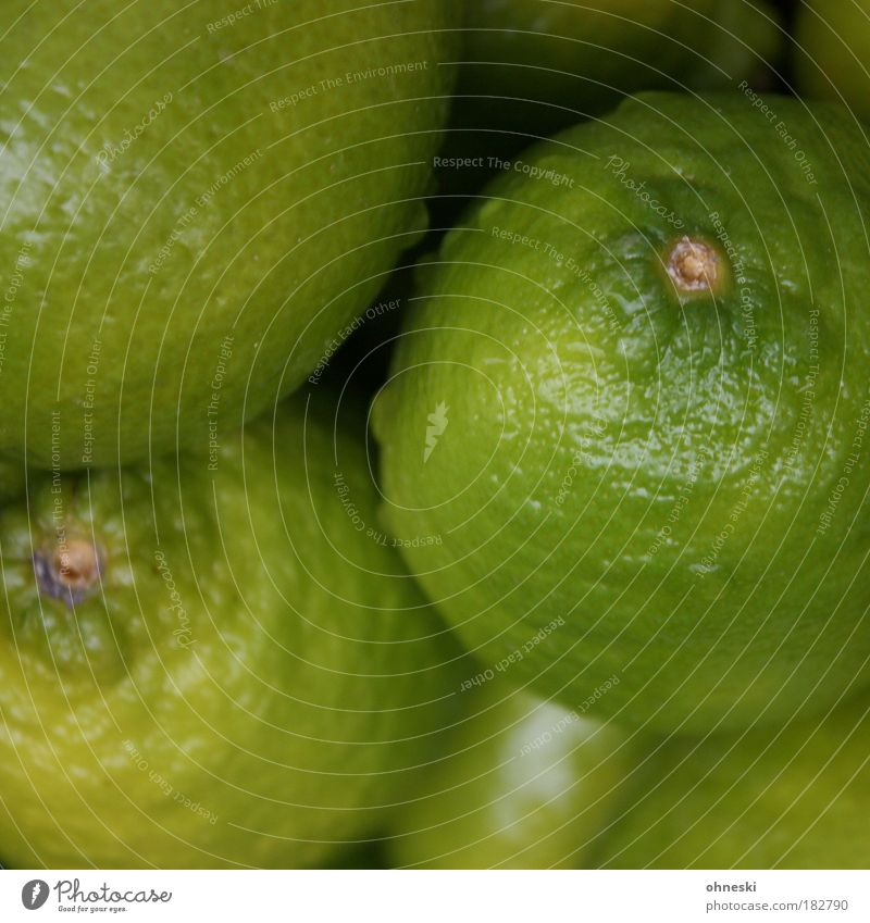 Caipirinha Rohstoff Farbfoto Nahaufnahme Menschenleer Schwache Tiefenschärfe Vogelperspektive Lebensmittel Frucht Dessert Zitrone Limone Zitrusfrüchte Ernährung