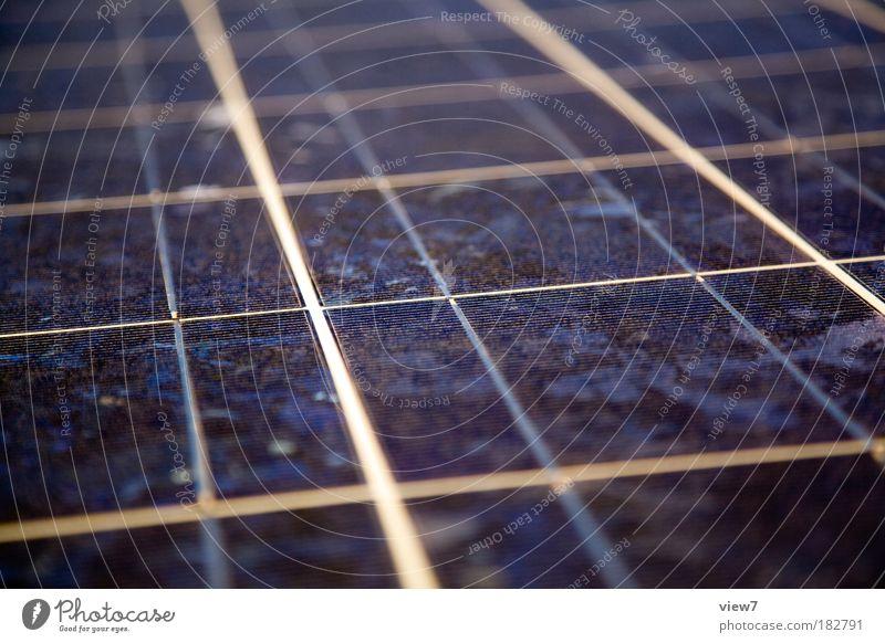 Silizium Detail blau oben Linie Design elegant Energie modern Energiewirtschaft Ordnung dünn rein Streifen Konzentration Dienstleistungsgewerbe Weltall Sonnenenergie