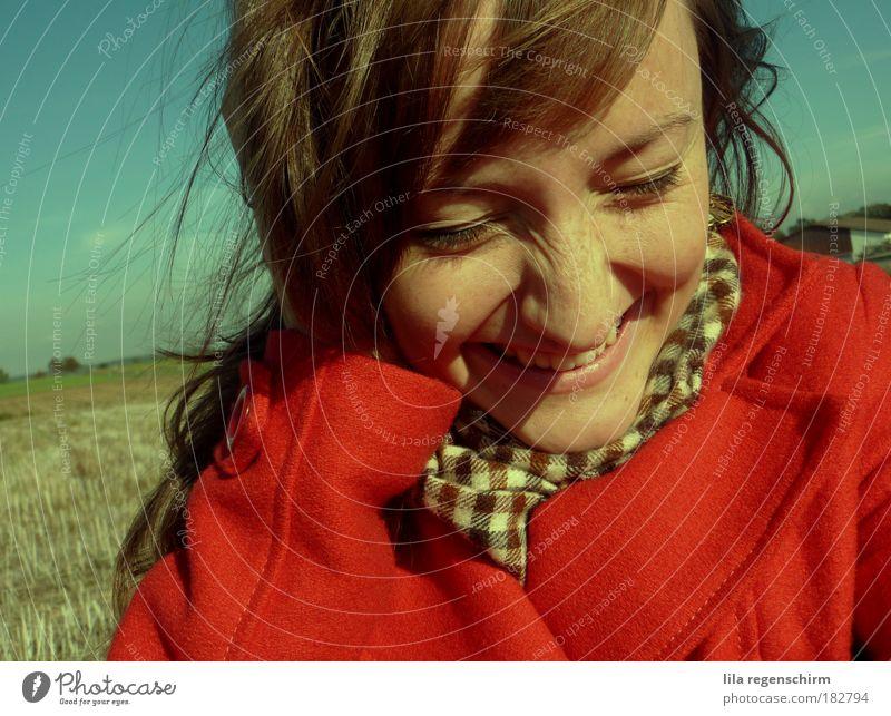 es lebe das leben Mensch Jugendliche Himmel blau rot Freude Ferien & Urlaub & Reisen Leben Herbst Gefühle Glück Porträt Zufriedenheit Feld Erwachsene