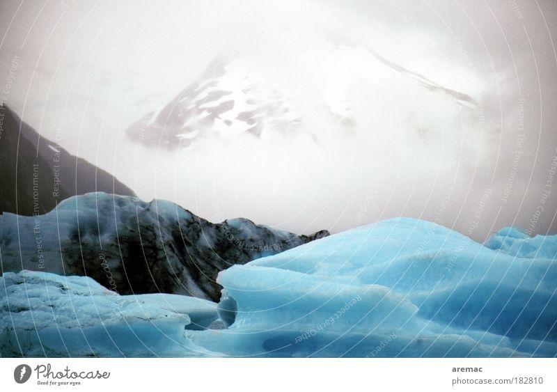 Eiszeit Farbfoto Außenaufnahme Menschenleer Textfreiraum oben Tag Kontrast Winter Berge u. Gebirge Umwelt Natur Urelemente Wasser Klima Klimawandel Frost Schnee