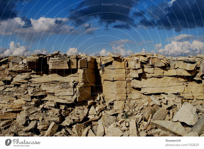 Steine und Wolkenhimmel Himmel blau Wolken Herbst Stein Landschaft Luft Stimmung Wetter Felsen Erde ästhetisch Romantik authentisch Sehnsucht Leidenschaft