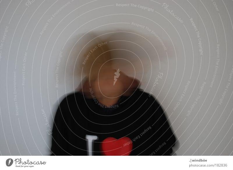 Nein, nein das will ich nicht! Farbfoto Innenaufnahme Studioaufnahme Tag Kunstlicht Blitzlichtaufnahme Unschärfe Zentralperspektive Totale Porträt Oberkörper