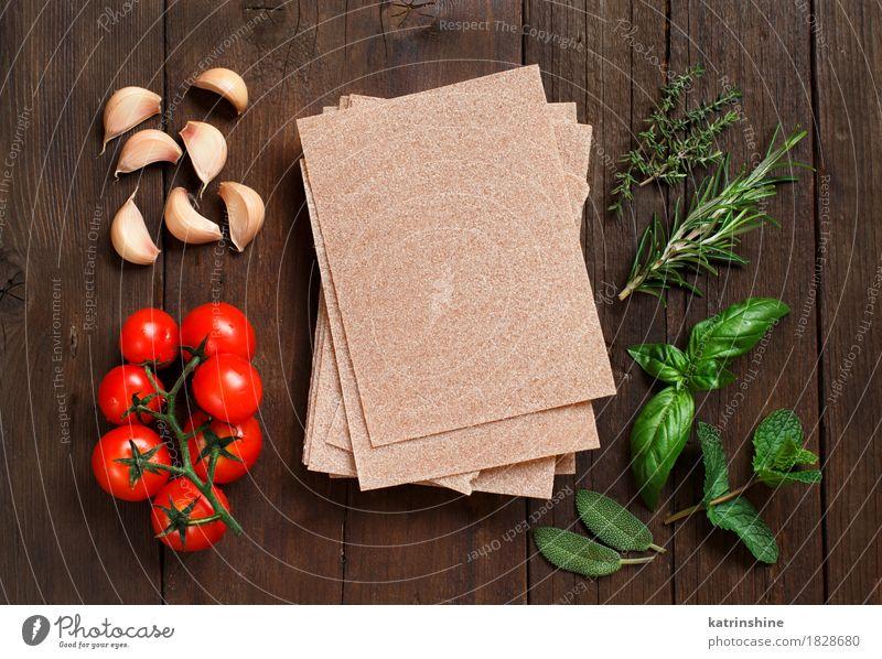 Vollkorn Lasagne Blätter, Gemüse und Kräuter grün rot Blatt dunkel braun frisch Italien Kräuter & Gewürze Tradition Backwaren Mahlzeit Vegetarische Ernährung