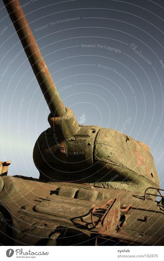AKOPALÜTZE NAU Himmel alt Kraft Angst Stern (Symbol) Macht bedrohlich Technik & Technologie Zeichen Frieden Schönes Wetter Stahl Krieg Kontrolle Zerstörung