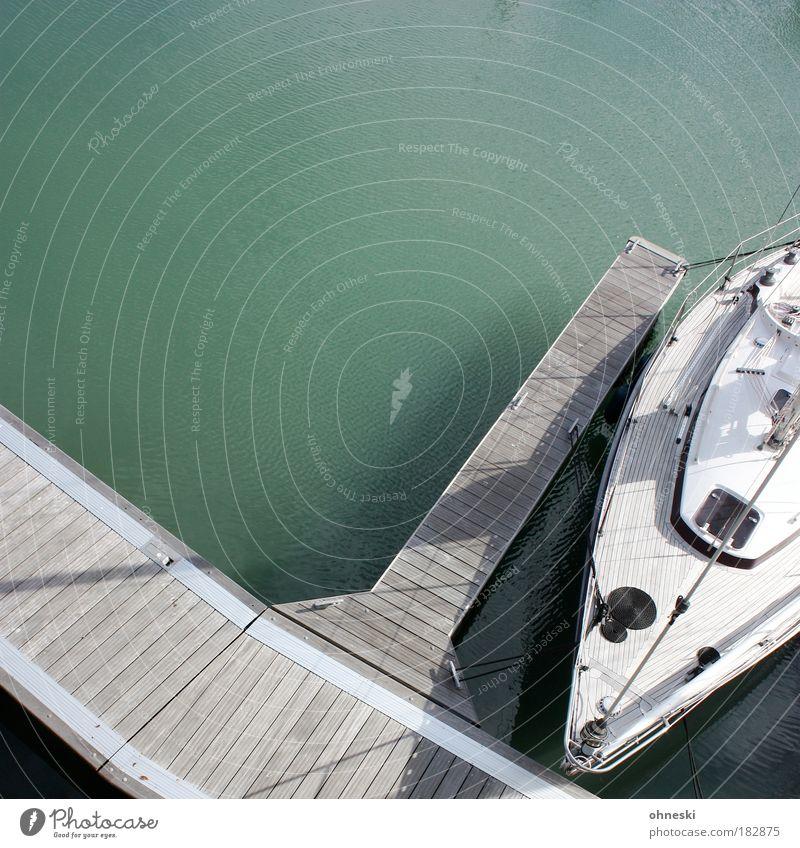 Boot fahren grün Ferien & Urlaub & Reisen Meer Sommer Ferne Freiheit grau Wasserfahrzeug Wellen Freizeit & Hobby Ausflug Tourismus Seil Hafen Schifffahrt Segeln