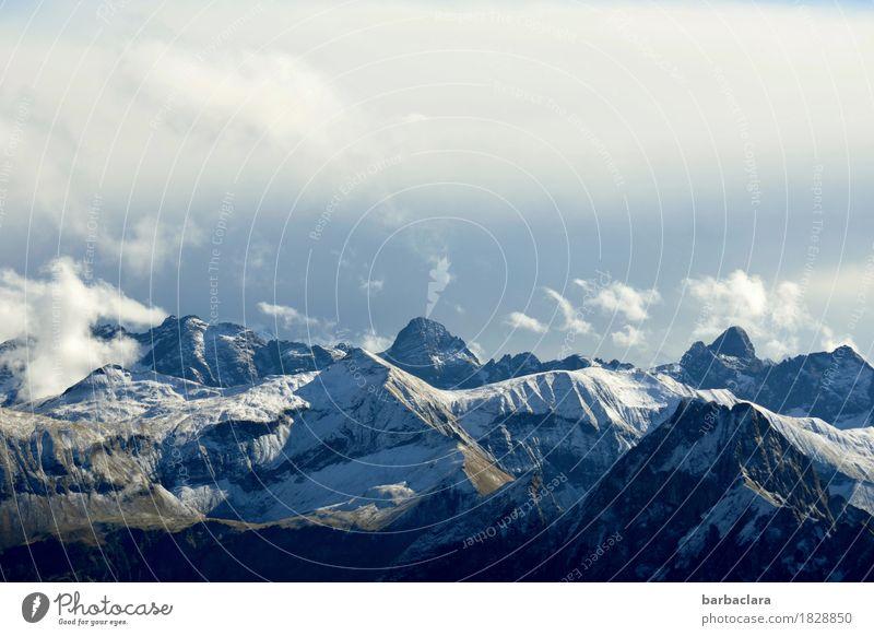 Doppeldeutigkeiten l Gipfeltreffen Ferien & Urlaub & Reisen Landschaft Urelemente Erde Luft Himmel Wolken Alpen Berge u. Gebirge Schneebedeckte Gipfel hoch blau