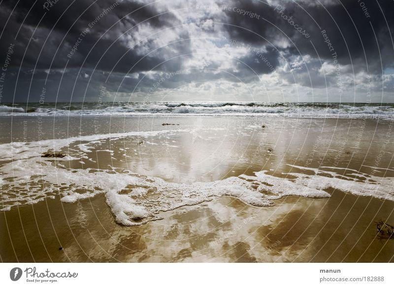 vor dem Orkan Natur Wasser Sommer Strand Meer Ferien & Urlaub & Reisen Wolken ruhig Ferne Erholung dunkel Herbst Landschaft Sand Traurigkeit Küste