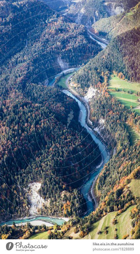 grüße aus dem heli Ferien & Urlaub & Reisen Ausflug Abenteuer Ferne Freiheit Umwelt Natur Landschaft Herbst Wald Hügel Felsen Alpen Berge u. Gebirge Schlucht