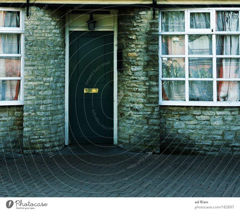 My Doorbell [20] Haus Fenster Wand Architektur Gebäude Mauer Wohnung Häusliches Leben Tür Ernährung Dorf Restaurant Bar Tor Feierabend Nachtleben