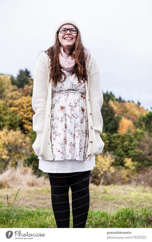 jenni - smiling Lifestyle elegant Stil Freude Glück schön Gesundheit Freizeit & Hobby Mensch feminin Frau Erwachsene Gesicht 1 Natur Landschaft Mode Bekleidung