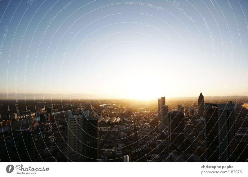 Hoffnungsschimmer Stadt Arbeit & Erwerbstätigkeit Morgendämmerung Architektur Gebäude Sonnenaufgang Horizont Hochhaus Erfolg Wachstum Haus Sonnenuntergang
