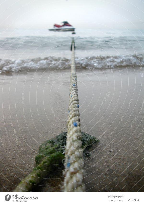An der langen Leine halten Wasser Ferien & Urlaub & Reisen Sonne Meer Sommer Strand Freude Küste Wasserfahrzeug Wellen Wind Freizeit & Hobby Tourismus Seil