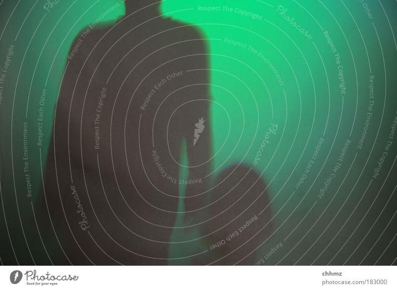 Sie kommen Farbfoto Gedeckte Farben Innenaufnahme Experiment Textfreiraum rechts Kunstlicht Licht Schatten Kontrast Silhouette Lichterscheinung Gegenlicht