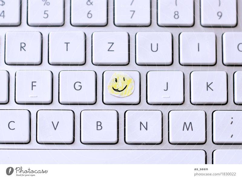 H wie Happy Bildung Erwachsenenbildung Schule lernen Berufsausbildung Studium Prüfung & Examen Büroarbeit Arbeitsplatz Computer Tastatur Papier Zettel Zeichen