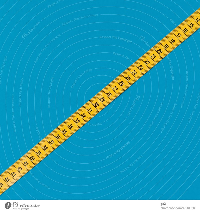 Das richtige Maß Übergewicht Freizeit & Hobby Handarbeit Arbeit & Erwerbstätigkeit Beruf Handwerker Arbeitsplatz Erfolg Maßband Ziffern & Zahlen blau gelb
