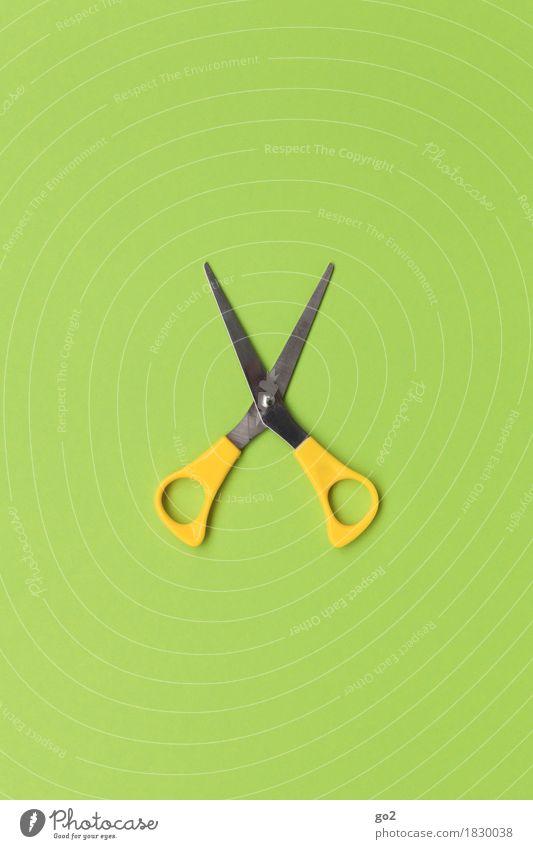 Schere Freizeit & Hobby Basteln Handarbeit Arbeit & Erwerbstätigkeit Beruf Handwerker Friseur ästhetisch gelb grün Scharfer Gegenstand schneiden Farbfoto