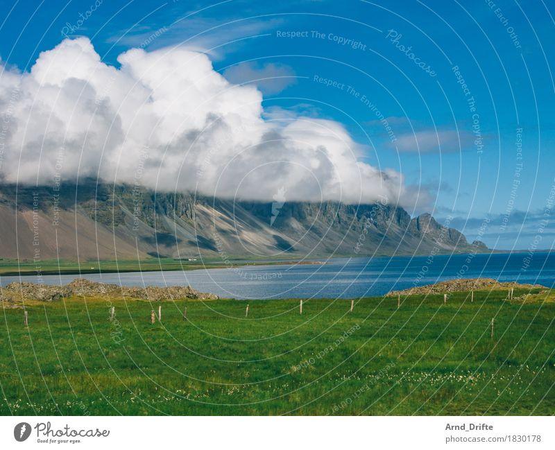 Island - Küste Himmel Natur Ferien & Urlaub & Reisen blau Sommer grün Wasser Landschaft Wolken Ferne Berge u. Gebirge Frühling Wiese Freiheit Tourismus