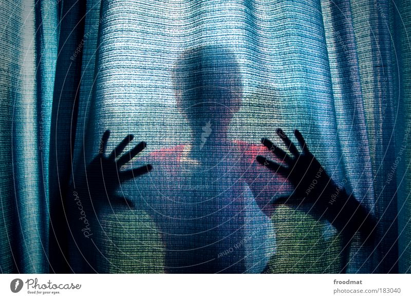 vorhang auf Farbfoto mehrfarbig Innenaufnahme abstrakt Strukturen & Formen Tag Silhouette Oberkörper Blick in die Kamera Mensch Junge Frau Jugendliche