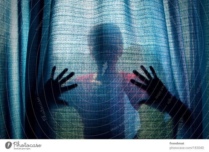 vorhang auf Mensch Frau Jugendliche blau Hand Erwachsene dunkel Traurigkeit träumen Angst gefährlich Hoffnung bedrohlich beobachten Junge Frau Schutz