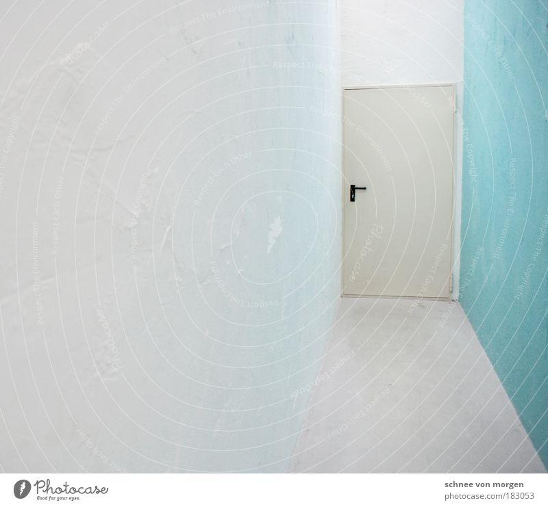Türen lernen laufen weiß grün Raum Wand Mauer hell Stimmung Architektur Beton ästhetisch Fabrik Bodenbelag Klarheit Zeichen
