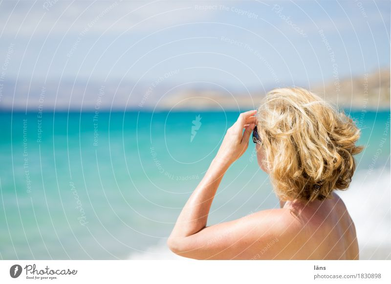 angekommen Mensch Frau Himmel Ferien & Urlaub & Reisen Sonne Meer Erholung Ferne Strand Erwachsene Wärme Leben Küste feminin Tourismus Zufriedenheit
