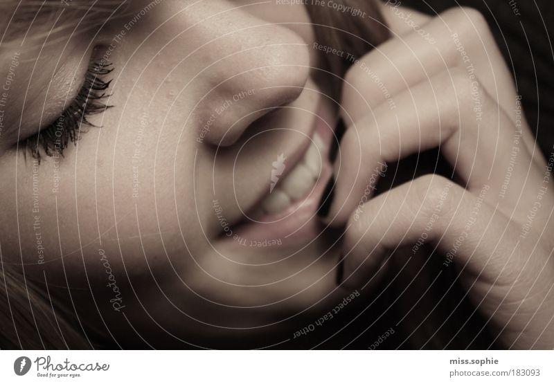 can you feel this? Frau Hand schön Gesicht feminin Gefühle Glück Haare & Frisuren Denken Mund Haut Erwachsene Nase Finger Zähne
