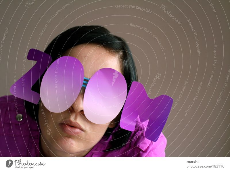 und es hat ZOOM gemacht Frau Mensch Freude Leben feminin Party Stil Kopf Stimmung Erwachsene rosa Design verrückt Coolness Brille violett