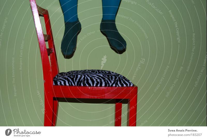 100! Mensch blau weiß grün rot schwarz Wand Spielen Holz springen Mauer Beine lustig Fuß Feste & Feiern Tanzen