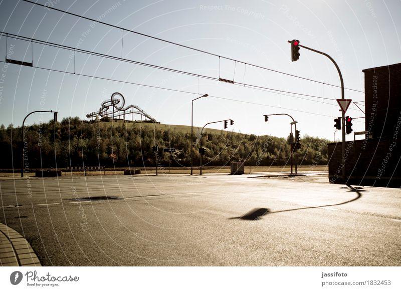 das Gebilde Kunst Kunstwerk Skulptur Hügel Duisburg Sehenswürdigkeit Wahrzeichen Tiger and Turtle Ampel elegant groß Achterbahn Deutschland Kreuzung Landmarke