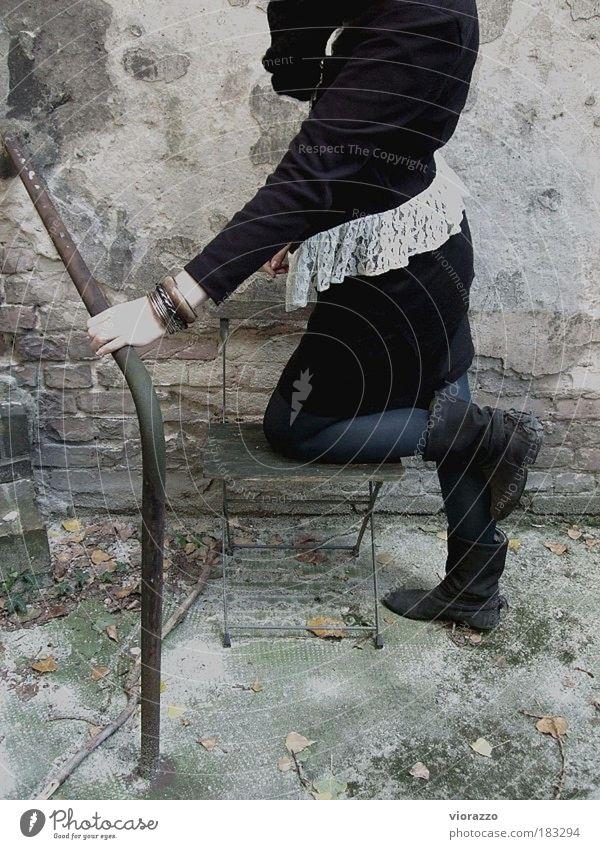 lace & sequins. Gedeckte Farben Morgendämmerung Erholung ruhig feminin Junge Frau Jugendliche Arme Gesäß Beine 1 Mensch Mode Strumpfhose Leder Accessoire