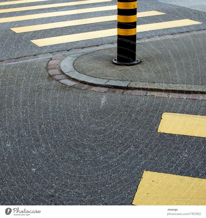 Fußgänger Stadt gelb Straße Wege & Pfade gehen Straßenverkehr Schilder & Markierungen Verkehr Ausflug Streifen Verkehrswege Personenverkehr Übergang