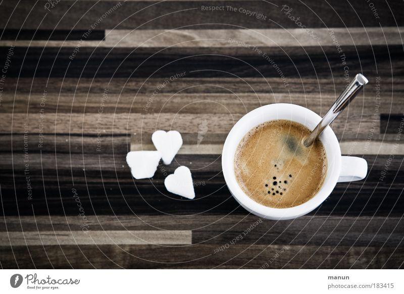 Pausenfüller weiß Erholung Liebe braun Zufriedenheit Zentralperspektive Ernährung Lifestyle Getränk süß Kaffee heiß genießen Gastronomie Tasse