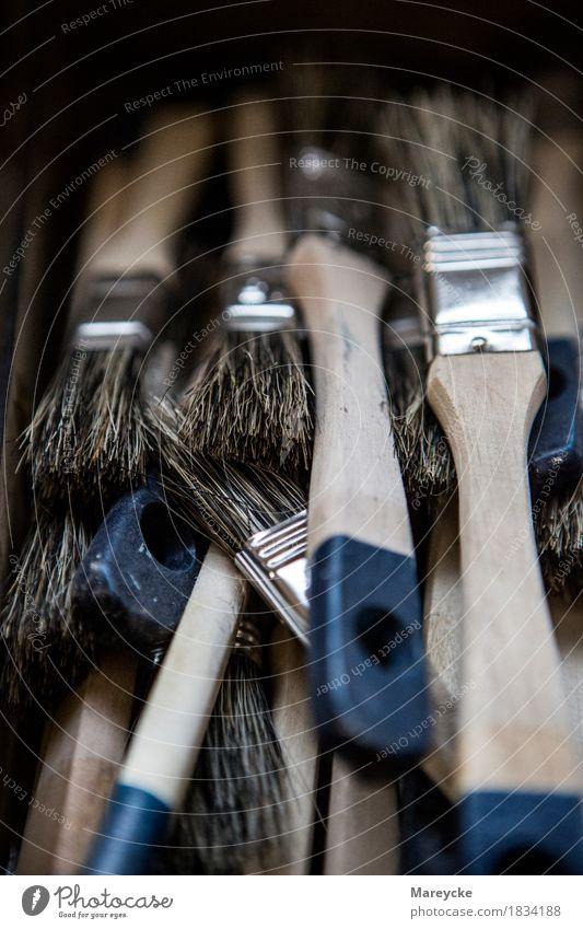 Pinsel Arbeit & Erwerbstätigkeit Handwerker Anstreicher Werkzeug Bürste natürlich Werkstatt Farbfoto Innenaufnahme