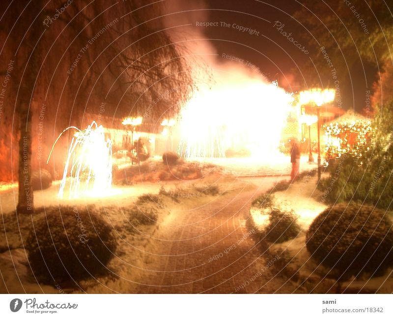 when the rush comes Schwarzwald Silvester u. Neujahr Licht Langzeitbelichtung Feuerwerk Brand Long exposure Vulkan hell