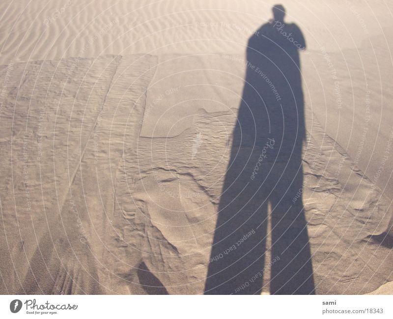 Mr. Sandman Strand Stranddüne Schatten Sahara Wüste Silhoutte